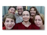 Foto de las autoras con el prof. Valcárcel