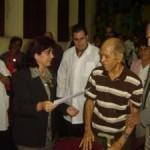 Prof Dr. C. Roberto Sollet Guilarte, recibe Diploma como Decano Fundador