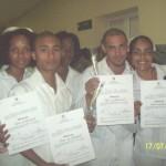 Estudiantes graduados de Técnico de Enfermería, felices y satisfechos.