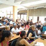 Trabajadores debaten sobre la medida del incremento del salario