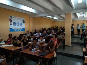 Trabajadores de la Facultad Manuel Fajardo se reúnen para debatir sobre las medidas del incremento salarial