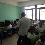 Estudiantes de 1er año de la carrera de medicina en la Facultad Manuel Fajardo