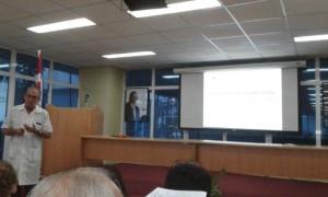 El Prof. Dr. Sergio Machín García, Jefe del Servicio de Hematología Pediátrica, tuvo a su cargo la explicación de los resultados en el tratamiento de las leucemias infantiles en el IHI y en Cuba, con ptotocoles internacionales.