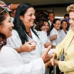 Dilma-saluda-a-médicos-cubanos-de-Más-Médicos