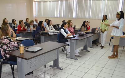 https://instituciones.sld.cu/socuenfhabana/files/2019/03/Acad%c3%a9micas-de-Cuba-imparten-en-Enfermer%c3%ada-curso-taller-sobre-promoci%c3%b3n-y-educaci%c3%b3n-para-la-salud.jpg