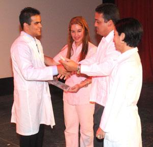 Lázaro A. Vázquez Gómez, mejor graduado integral de este curso. (Fotos: Manuel de Feria)