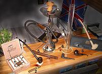 Equipamiento para fumar. Fuente: WikiMedia